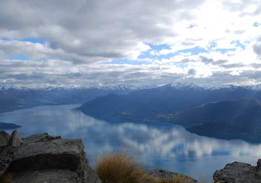 L497 Lake Wakatipu Queensto